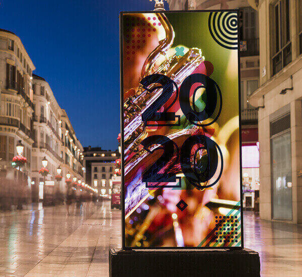 Totem multimediale a led